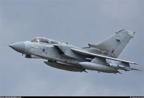 UK - Air Force - Panavia Tornado GR4 ZA553/045 ...