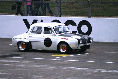Renault Dauphine Gordini - Photo de AUTODROME HÉRITAGE ...