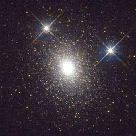 hst image    globular star cluster  galaxy