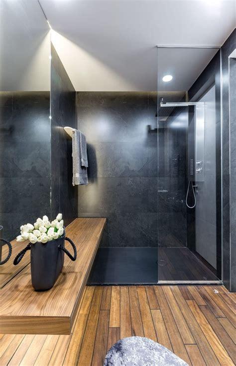 Moderne Badezimmer Holz by Graue Einrichtung Badezimmer Modern Holz Dusche Glaswand