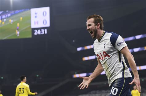 Tottenham buckles again in familiar style, City jumps to ...