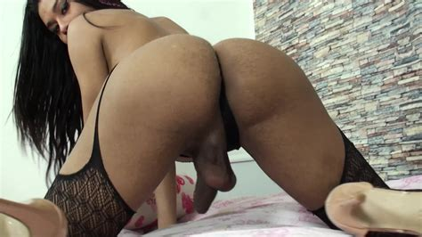 Latina Shemale Evelliny Mouna Strokes Her Big Cock In