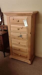 BROYHILL LINGERIE CHEST Delmarva Furniture Consignment