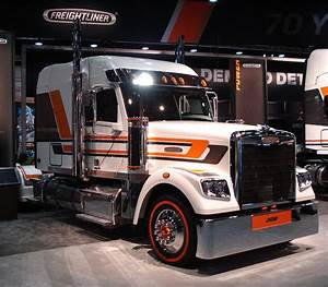 White freightliner semi pacific truck colors for Semi truck lettering ideas