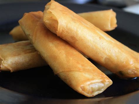 chichis chinese spring rolls  eats