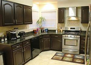 spray painting kitchen cabinet to give new face to the kitchen 1418
