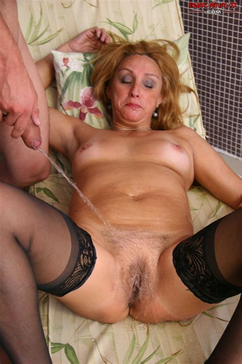 mature slut in fucking and pissing the mature lady porn blog