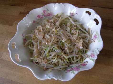cuisiner les germes de soja porc au caramel thit khô la recette du dredi