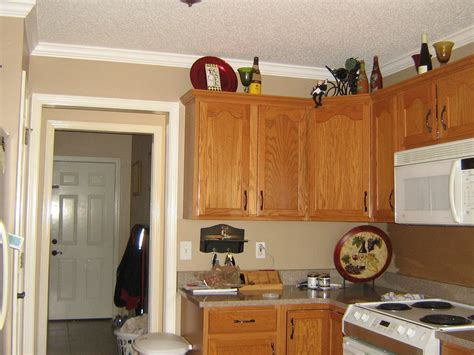 choosing paint color  kitchen cabinets