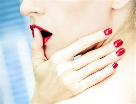 How To Stop Your Nail Biting Habit