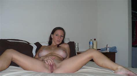 Sexy Amateur Spreads Her Legs Porn Photo EPORNER