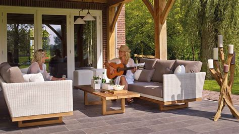 Whatever size your patio, porch, deck or yard, there's furniture and accessories for your needs. Best Patio Furniture 2020: Reviews & Buyer's Guide