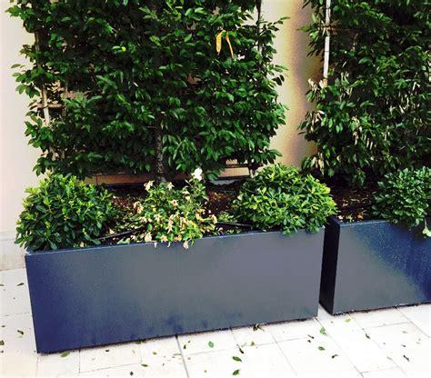 vasi per terrazzi fioriere e vasi su misura fioriere moderne per terrazzi e