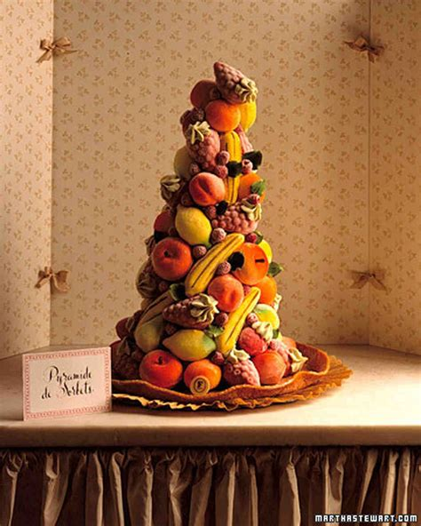 fruit wedding cakes   full  color  flavor