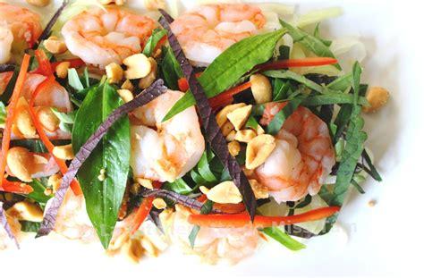 la cuisine vietnamienne salade de papaye verte aux crevettes à la vietnamienne
