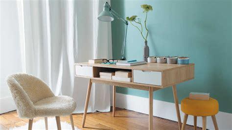 bureau du monde quelles couleurs associer avec des meubles en bois clair