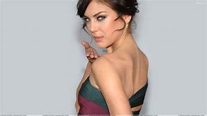 Jessica Stroup Looking Back And Cute Eyes Back Photoshoot ...