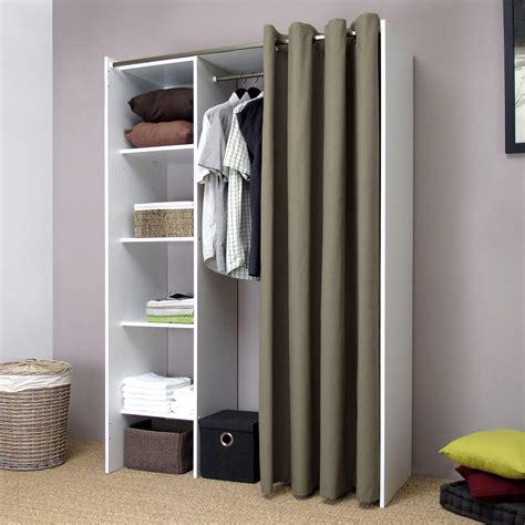penderie chambre placard chambre avec rideau