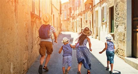 How to travel with kids - Insurance Solved Blog   Budget ...