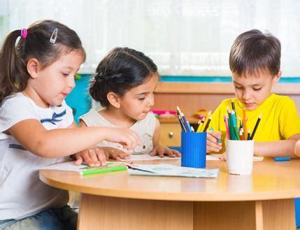 why choose montessori preschool how to choose the right preschool parenting 121