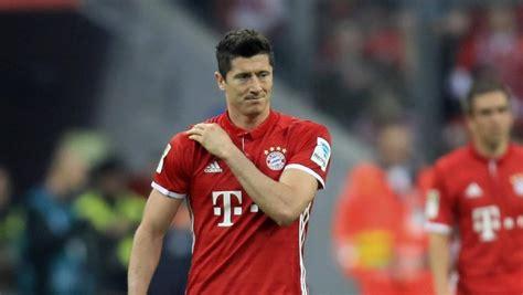 Musste beim polnischen sieg gegen andorra verletzt ausgewechselt werden: Verletzt ausgewechselt: Wird Lewandowski fit für Real Madrid?