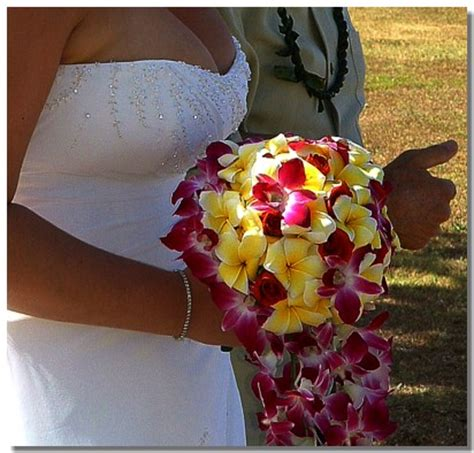hawaii wedding flowers   beautiful bouquets