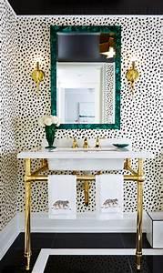 Amazing Animal Print Wallpaper Ideas