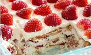 voici le meilleur g 226 teau aux fraises et 192 la cr 232 me fouett 233 e un dessert sans cuisson