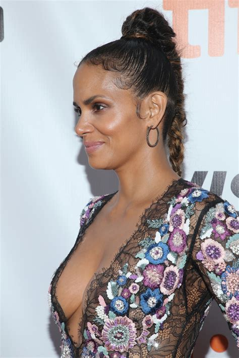 halle berry long braided hairstyle halle berry  stylebistro