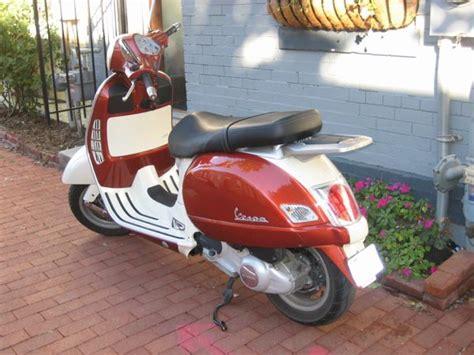 modern vespa 2005 gt200 w custom paint