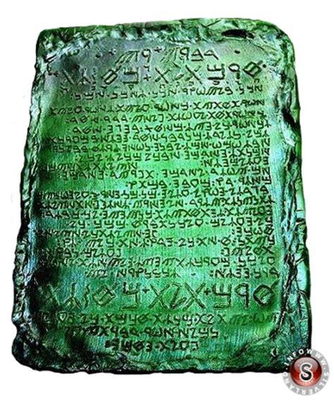 la tavola di smeraldo le tavole smeraldine di toth l atlantideo il mondo degli ufo