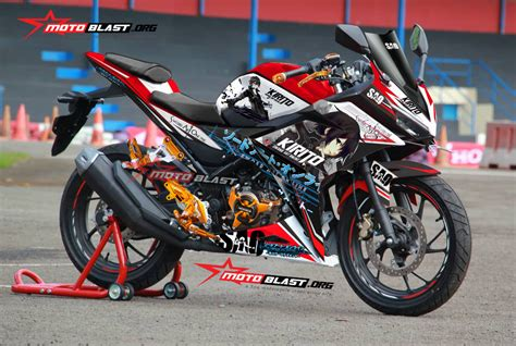 Modif Striping New Cb150r Hitam Merah by Modif Striping Honda New Cbr150r Black Drift Kenblock