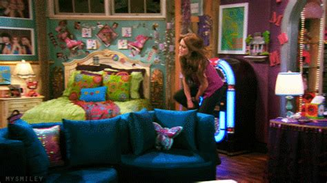 hannah montana  bedroom episode nakedsnakepresscom