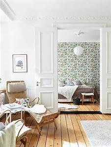 le papier peint en 52 photos pleines d39idees With tapis chambre bébé avec comment envoyer des fleurs