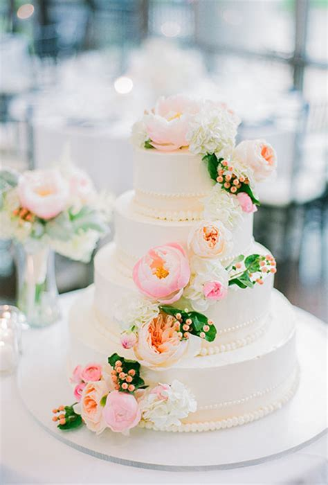 wedding cake decorations for sale inspired wedding cake with fresh flowers a wedding cake