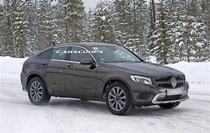 Coupe Mercedes : 2017 mercedes glc coupe caught virtually undisguised again carscoops ~ Gottalentnigeria.com Avis de Voitures