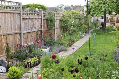 steps   long thin garden   dreams