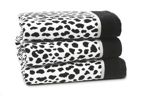 Leopard Print Bathroom Set Uk by Bathroom On Bass Pro Shop Cheetah Print