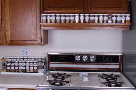 Spice Rack Stove by Craftionary