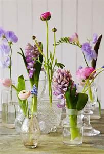 Aktuelle Blumen Im April : tischdeko mit blumen 35 super ideen ~ Markanthonyermac.com Haus und Dekorationen