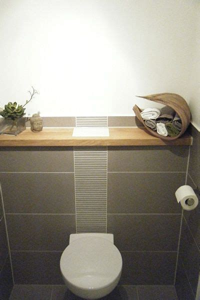 Badezimmer Fliesen Toilette by G 228 Ste Wc Fliesen Grau Holzablage Badezimmer In 2019
