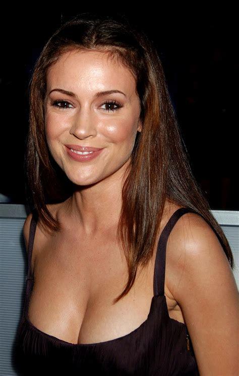 Alyssa Milano Body Measurements - Celebrity Bra Size, Body ...