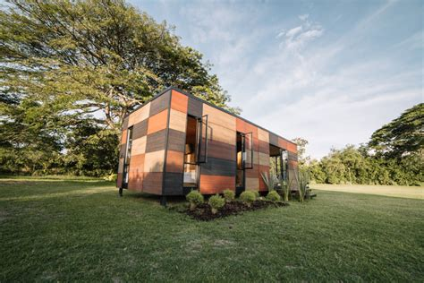 Q Design Home Colombia : Colectivo Creativo Clads Vimob Modular Home In Textural