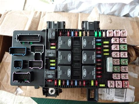 03 Ford F250 Fuse Box Ab Relay by 2003 2006 Ford Expedition Lincoln Navigator Fuse Box