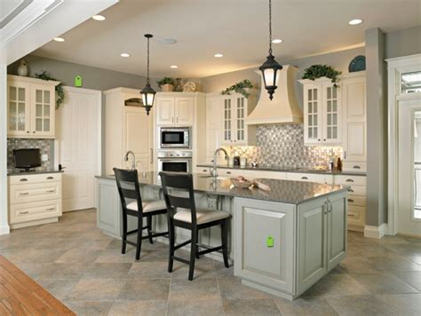 cheap priced white color solid wood kitchen cabinets