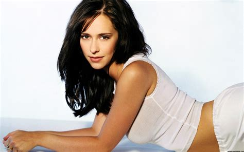 love hot pics jennifer love hewitt wallpapers pictures images