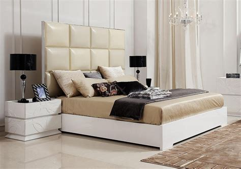 modern headboard 20 contemporary bedroom furniture ideas decoholic Modern Headboard