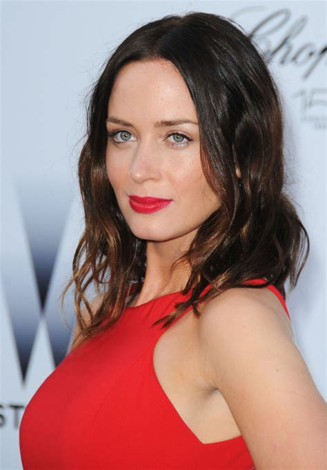 the adjustment bureau emily blunt bra size age weight height measurements