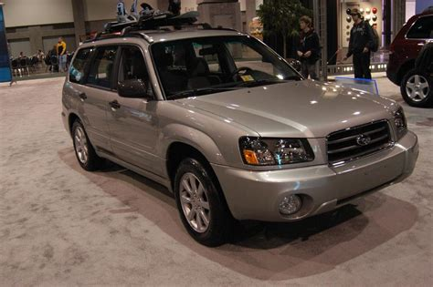 2005 Subaru Forester Pictures, History, Value, Research