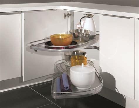 cuisine en angle astuces pour meubles d 39 angle cuisiniste aviva